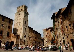 Piazza_Cisterna_San_Gimignano