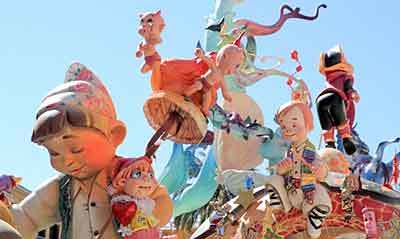 Europe's loudest festival ! Las Fallas in Valencia, March 15 – 19