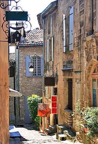 gordes_street