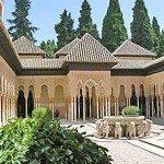 Granada je Alhambra - maurská sen