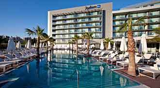 radison_resort_split