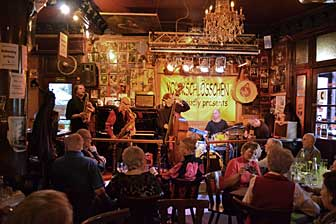 good live music and jazz clubs in berlin. Black Bedroom Furniture Sets. Home Design Ideas
