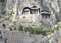 tombs_amasya