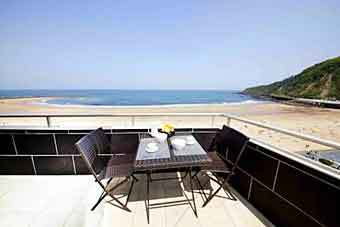 hotel_zurriola_beach