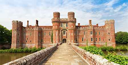 Zamek Herstmonceux w Anglii East Sussex
