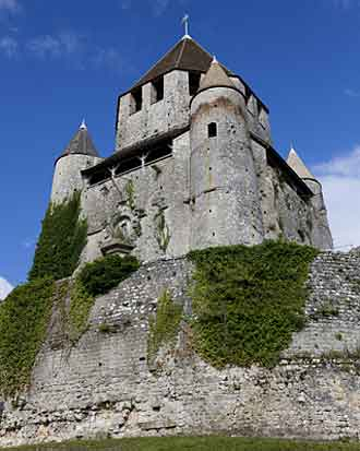 cesar_tower_provins