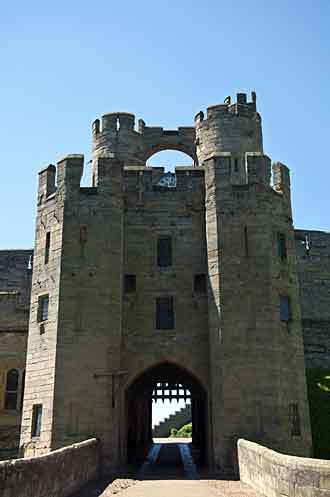 warwick_castle_entre