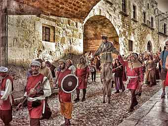 середньовічний фестиваль троянди родос